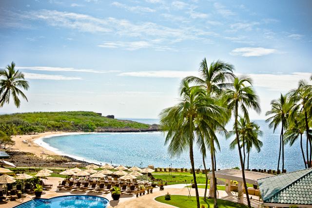 Photo of Hulopo'e Bay on the Island of Lana'i